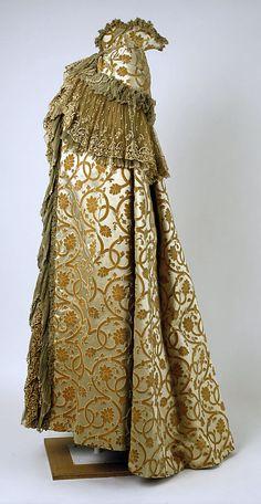 Cape, Opera. House of Worth (French, 1858–1956). Date: ca. 1899. Culture: French. Medium: silk.