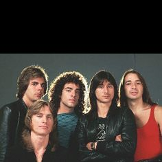 Journey with Steve Perry! I had the biggest crush on Steve Perry! Banda Journey, Journey Band, Journey Music, Journey Live, Tony Soprano, 80s Pop Music, Rock Music, Music Music, Indie Music