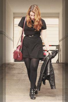 BLOGGER LOVE>>>Rebecca in our 'Lexis' Dress   Buy it here: http://www.ark.co.uk/item/ark-for-women/smock-dress/ark-black-lexis-pointed-collar-dress/U59 See Rebecca's blog: http://www.itscohen.co.uk/2014/01/monochrome-shift-smock-dress-outfit.html  #ss14 #monochrome #pointedcollar #dress