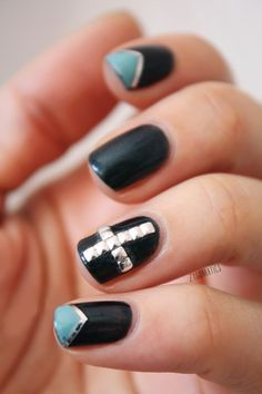 {Nails} Grunge nails & Tuto French en V avec striping tape