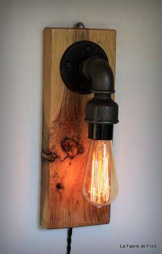 Lampe TACTILE edison applique murale - bois recyclé et tuyau en fonte noire - Touch control EDISON lamp