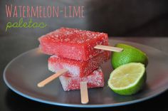 Vilda barn: Watermelon-Lime Paletas!  No need for moulds or kitchen machines! Just two ingredients: Watermelon and lime.  Cut the watermelon, put a stick in, dip in freshly squeezed lime-juice and freeze for at least three hours.