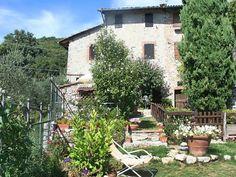 Ferienwohnung L'Anticiana für 4 Personen  Details zur #Unterkunft unter https://www.fewoanzeigen24.com/italien/toscana/55068-camaiore/ferienwohnung-mieten/27209:276763099:0:mr2.html  #Holiday #Fewoportal #Urlaub #Reisen #Camaiore #Ferienwohnung #Italien