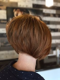 20 chic and best layered bob hairstyles - Long Bob Hairstyles 2019 Short Layered Bob Haircuts, Stacked Bob Hairstyles, Long Bob Hairstyles, Short Hair Cuts, Short Hair Styles, Short Layered Bobs, Ponytail Hairstyles, Bob Haircut Back View, Thick Blonde Hair