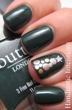Handtastic Intentions: Nail Art: Christmas Tree Nails #nailpolish #handtasticintentions