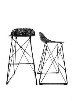 Carbon Bar Stool by Bertjan Pot - Moooi Vintage Patio, Vintage Stool, Modern Bar Stools, Modern Chairs, Bar Furniture, Garden Furniture, Brown Furniture, Modern Fan, Contemporary Classic