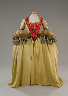 Costume designed by Danilo Donati for an extra in Fellini's Casanova (1978)  From Tirelli Costumi