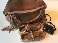 Esther Fringe Bag in rose and Liebeskind Sneakers  LS0021 in sorbet. http://de.liebeskind-berlin.com/LS0021/216%2e430%2e106%2e8567,default,pd.html?sku=216%2e430%2e106%2e8567%2e0700%2e37&cgid=sc_sneaker&ref=lp&is=true  #spring2015 #liebeskind #liebeskindus #leather #bag