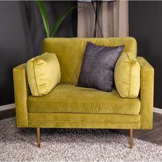 Hippi - Hvilestol i lysegrønt fløjl med messing ben. Hippie Man, Ben, Messing, Love Seat, Couch, Furniture, Home Decor, Settee, Decoration Home