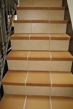 Escalera cer mica realizada con pelda os con torelo pegado - Escaleras de gres ...