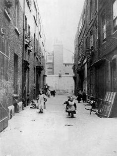 London 1899