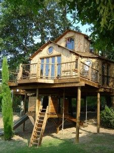 60 evocadoras casas en el árbol. #casas #madera