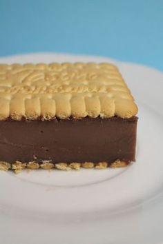 Pudingos szelet sütés nélkül 5 Ingredient Desserts, Chickpea Salad Sandwich, Eat Pray Love, Baked Ziti, Fudge, Cheesecake, Deserts, Food And Drink, Cooking Recipes