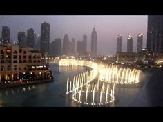 Tribute to Whitney Houston in Dubai, Arab Emirates : beautiful fountain and light display in time to 'I Will Always Love You'.