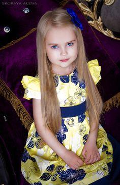 Young Girl Fashion, Kids Fashion, Cute Little Girls, Cute Kids, Beautiful Children, Beautiful Babies, Funny Babies, Cute Babies, Little Girl Dresses