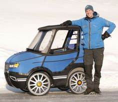 Meet PodRide by Mikael Kjellman: a bicycle car that lets you get around comfortably when the weater is not bicycle-friendly. This bicycle has a Electric Bicycle, Electric Cars, Electric Vehicle, Mongoose Mountain Bike, Car Gadgets, Pedal Cars, Cool Bicycles, Small Cars, Mini