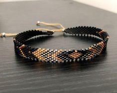 Ankle brace in Miyuki - DIY Schmuck Beaded Jewelry Designs, Custom Jewelry, Handmade Jewelry, Beaded Rings, Beaded Bracelets, Loom Bracelet Patterns, Anklet Bracelet, Bracelet Crafts, Bracelet Tutorial
