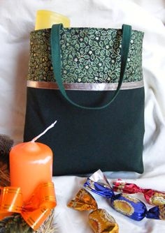 táska varrás Fabric Bags, Needle And Thread, Sewing Crafts, Sewing Ideas, Purses And Bags, Diy And Crafts, Tote Bag, Handbags, Farmer
