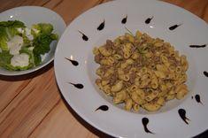 Hascheehörnchen mit grünem Salat und Joghurtdressing Risotto, Ethnic Recipes, Food, Recipes, Meals, Yemek, Eten