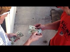 Every Pizza Delivery Guy Received 100 Dollar Tip From Magician [REALLY NICE VIDEO]