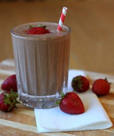 1.5 cups almond milk, 7strawbwerry,2tbsp oats,1 scoop whey, 1 Tbsp choc and greens, 3 tsp cocoa, stevia 1 tsp, ice