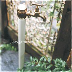 懐かしい風景をイメージしたというレトロな雰囲気の立水栓。。【レトロな立水栓】 クラシック立水栓:単口 蛇口付き昔の形を今に再現した懐かしいレトロモダンの美しい水栓柱です。【水栓柱】【タップ】【クラシック】【アンティーク】【和風】【レトロ】【送料無料】| ガーデン ガーデニング 庭 水洗 水道 ガーデンタップ
