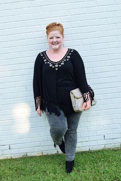 Fringe Four Ways with Avenue. Liz shows four ways to wear the fringe trend from head-to-toe. Plus size fashion, travel, and lifestyle blogger at www.withwonderandwhimsy.com. #avenue #plussize #plussizefashion #plussizeclothing #fashionblogger #fringe #falltrends #fallfashion #fallstyle #ootd #outfit #psootd