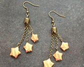 """Boucles d'oreilles """"3 étoiles sur chaînettes"""" origami orange : Boucles d'oreille par isa-bo"""