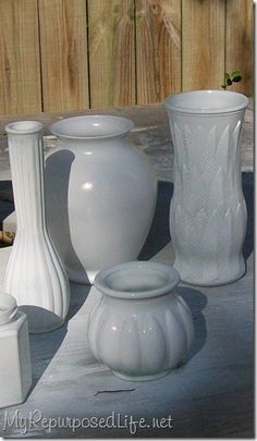 """Have you """"inherited"""" an odd, I mean and """"eclectic"""" bunch of vases?  Give them a fresh new look with spray paint!  Tutorial by My Repurposed Life."""