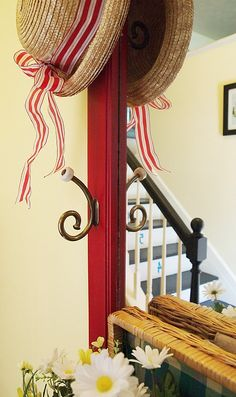 Hanging straw hats | So that's what I did in my foyer to give it a welcoming summery look ...