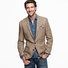 J Crew glen plaid sportcoat is tailored in trim Ludlow fit with narrow lapels and a slightly shorter cut.