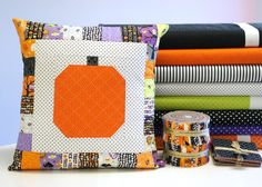 Halloween Pumpkin Pillow - Free Sewing Pattern