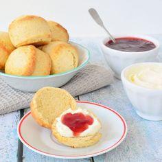 Altijd gedacht dat zelf scones maken moeilijk was? Welnee! Met dit recept maak je met het grootste gemak zelf je scones voor bij de high tea!