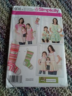 Simplicity 1936 Mother daughter doll apron by BloomingRoseCrochet