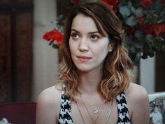 'Alto Astral': Por Caíque, Laura decide enfrentar Samantha - Divulgação/TV Globo