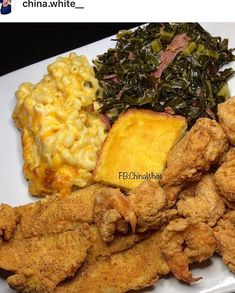 Fried fish, fried shrimp🍤, macaroni n cheese, greens, and cornbread. Food Obsession, Food Goals, Aesthetic Food, Food Cravings, I Love Food, Food Dishes, Food To Make, Foodies, Food Porn