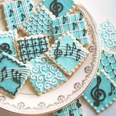 Treat favors with music <3 -Would be perfect to have on the tables as everyone is arriving and waiting for the ceremony to start