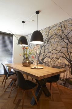 Salle à manger Wall / RTL Woonmagazine Goossens eetkamertafel Orleans Dining Room Design, Dining Room Table, Wood Table, Dining Chairs, Home And Living, Living Room, Sweet Home, Dinner Room, Beautiful Dining Rooms