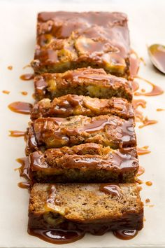 Caramel Banana Bread Is Literally The Stuff Of Dreams Drizzled and stuffed with salted caramel, this banana bread is perfectly decadent.Drizzled and stuffed with salted caramel, this banana bread is perfectly decadent. Dessert Bread, Dessert Recipes, Desserts, Make Banana Bread, Healthy Snacks For Diabetics, Banana Bread Recipes, Salted Bread Recipe, Cookies Et Biscuits, Sweet Recipes