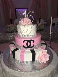 Birthday outfit ideas sweet sixteen new ideas 16th Birthday Cake For Girls, 14th Birthday Cakes, Sweet 16 Birthday Cake, Birthday Ideas, Geek Birthday, Women Birthday, Sweet Sixteen Cakes, Sweet 16 Cakes, Cute Cakes