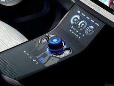 01a1bdfc6ad7f9f9ecb0c2d00cf6b6e0 620x465 17 Examples Of Brilliant Car UI and HUD Design