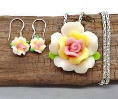 Rose set - handmade polymer clay flowers necklace and earrings by XetuDesign on Etsy Handmade Shop, Handmade Jewelry, Polymer Clay Flowers, Clay Design, Handmade Polymer Clay, Etsy Earrings, Red Roses, Gift Wrapping, Group
