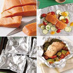 Receitinha show!  Tempere o filé de salmão com sal, pimenta e, enquanto o peixe 'pega' o sabor, corte os vegetais de sua preferência, a sugestão aqui é abobrinha e tomatinho cereja. Corte o papel alumínio em um tamanho que consiga envolver os ingredientes. Faça uma camadinha com os vegetais, coloque o peixe por cima e feche o papel alumínio, deixando o pacote bem lacrado para cozinhar bem os ingredientes.