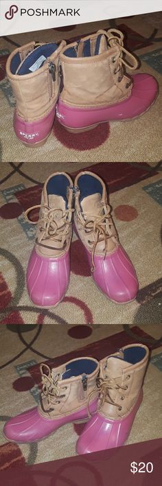 Sperry Duck Boots Lightly used!  Girls size 1 Same day shipping! Sperry Shoes Boots