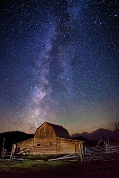 Milky Way Stars over Teton Barn    This photo was taken on September 28, 2011 in Grovont, Wyoming, US, using a Canon EOS 5D Mark II.      Copy Credit : Royce Bair