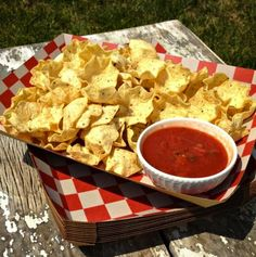 """Checkered kraft lunch trays are a versatile, """"green"""", and fun way to serve up a variety of your favorite foods. They work great as a plate or a serving tray for your next picnic or carnival party, but are also just a great thing to keep around for your family."""