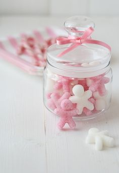 Homemade Sugar Cubes - In fun Shapes! Half the page is Spanish (I think), just scroll down to get to the english part