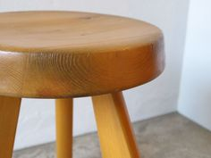 Charlotte Perriand/Stool(Galerie Steph Simon)