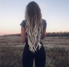 Light blonde ombré dark brown hair.