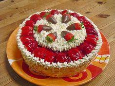 Windbeuteltorte mit Erdbeersahne, ein sehr leckeres Rezept aus der Kategorie Torten. Bewertungen: 47. Durchschnitt: Ø 4,5.